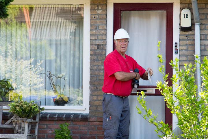 Mede dankzij de inzet van onze wijkconciërge zijn we met een 8,5 als tevredenheidscijfer beoordeeld door de bewoners. De wijkconciërge heeft bewoners extra ondersteuning gegeven in de voorbereiding en tijdens de uitvoering.