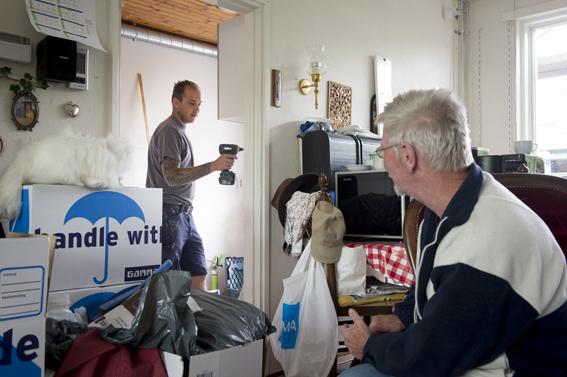 Keuken, toilet en badkamer renovatie. Werkzaamheden uitgevoerd in bewoonde staat